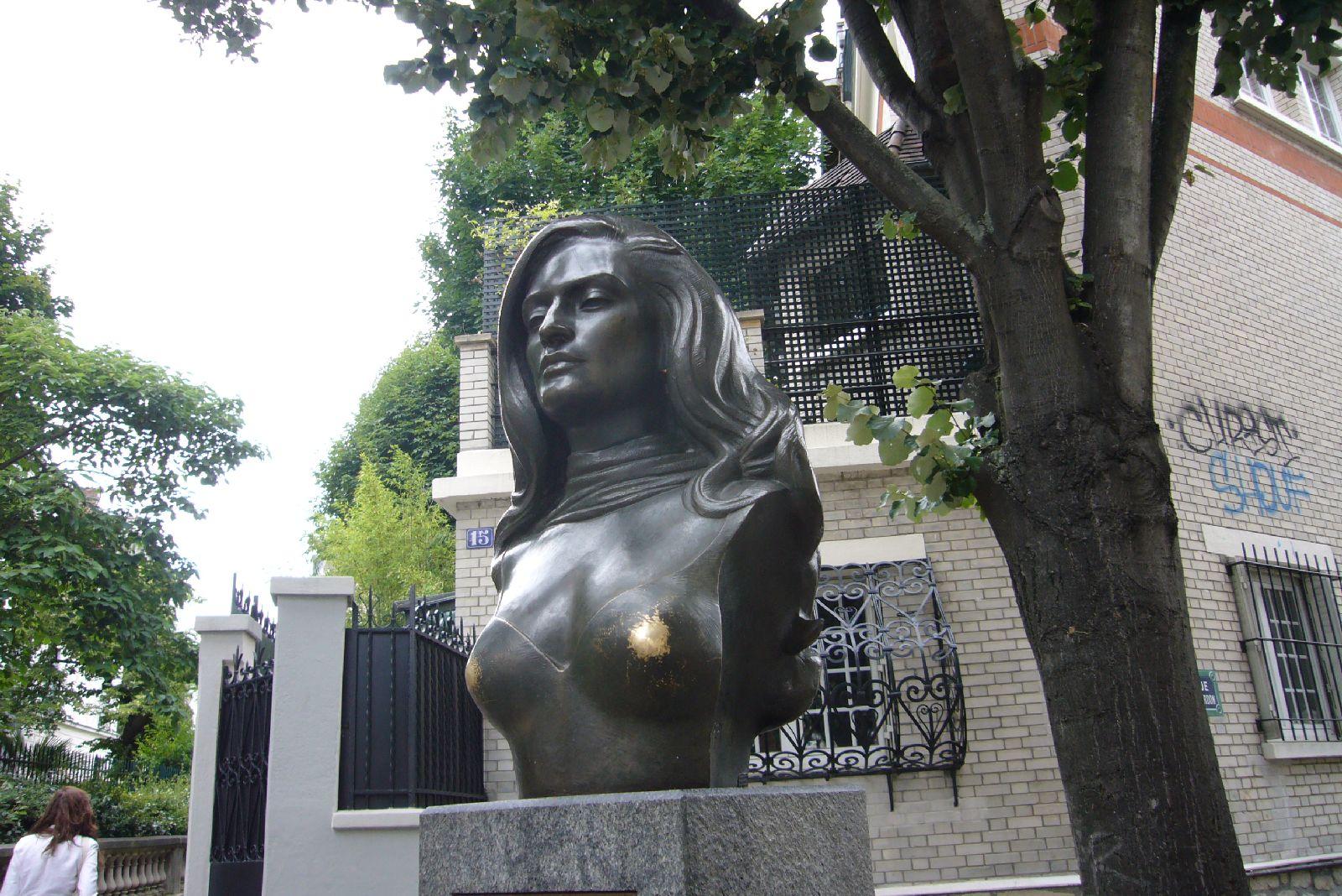 monmartre-2012_dalidy-popiersie