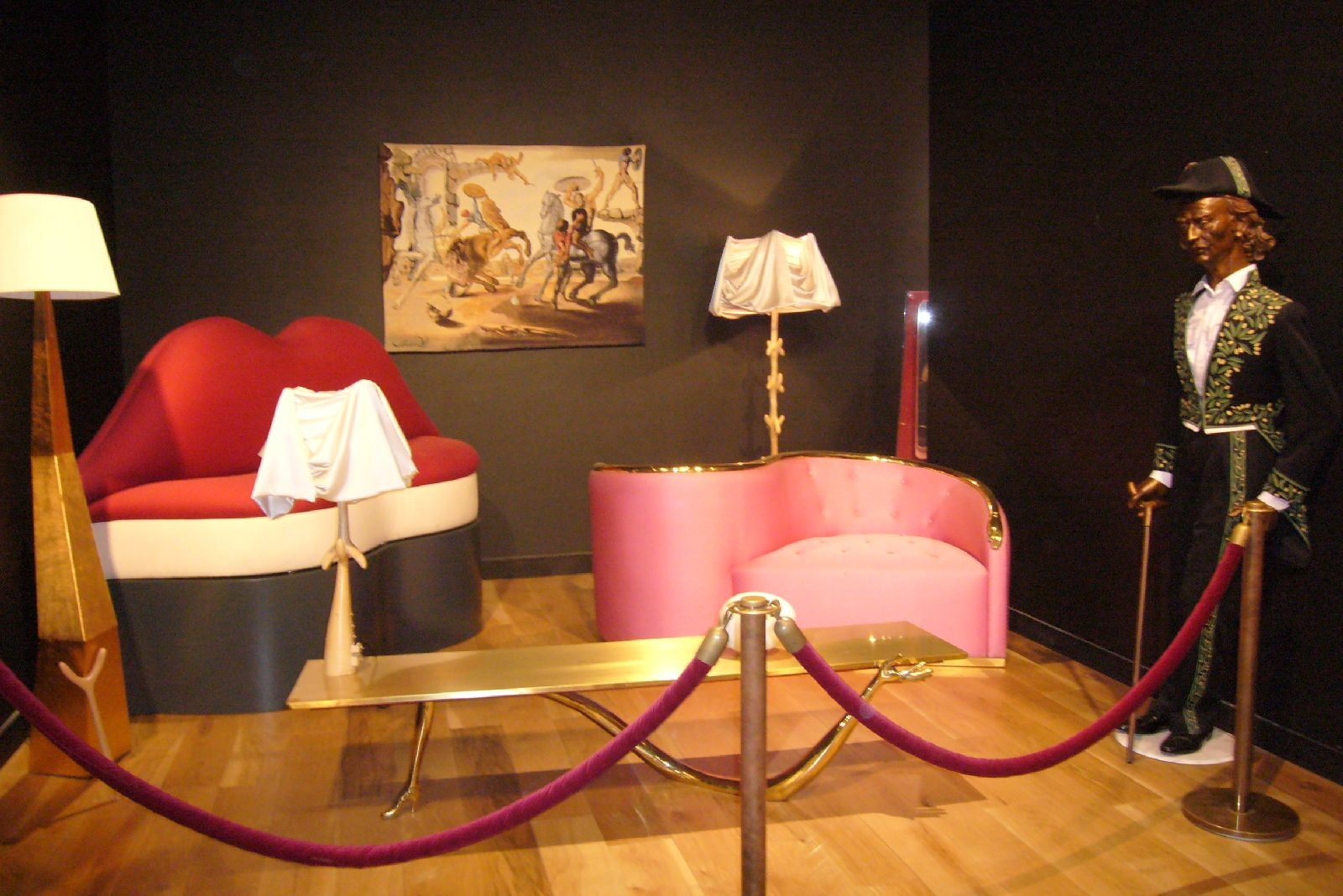 salvador-dali_sofa-usta-mae-west